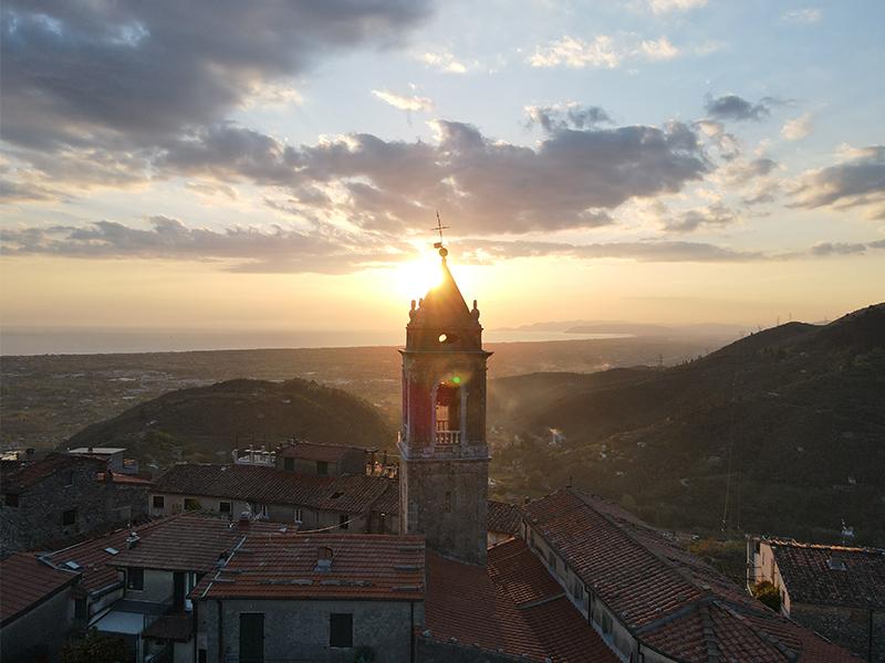 Itinerari - Tra Montebello, Santa Lucia e Monteggiori :  Anello di Camaiore Antiqua