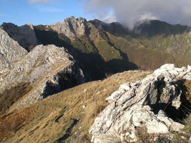Da Seravezza a Monte Folgorito, passando per Cerrata San Nicola