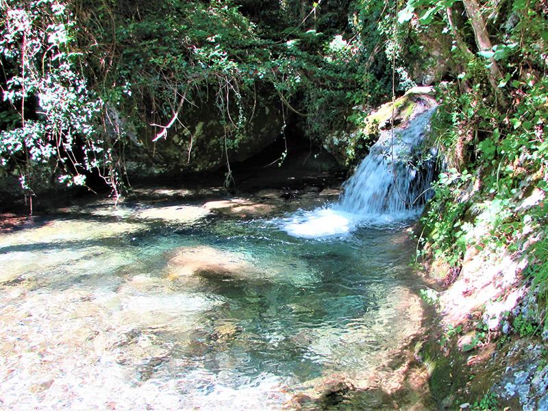La Valle di Candalla, sentieri, cascate e storie di antichi mestieri