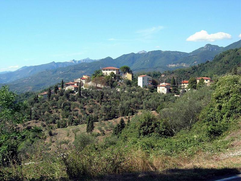 Itinerari - Da Col Sereno a Mommio Castello passando da Via delle Ginestre